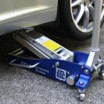 A Review of the Best Floor Jack for Your Garage